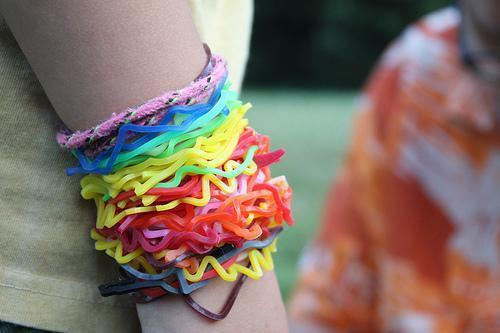 Pack 6 Pulseras De Goma Colores Y Formas Variadas